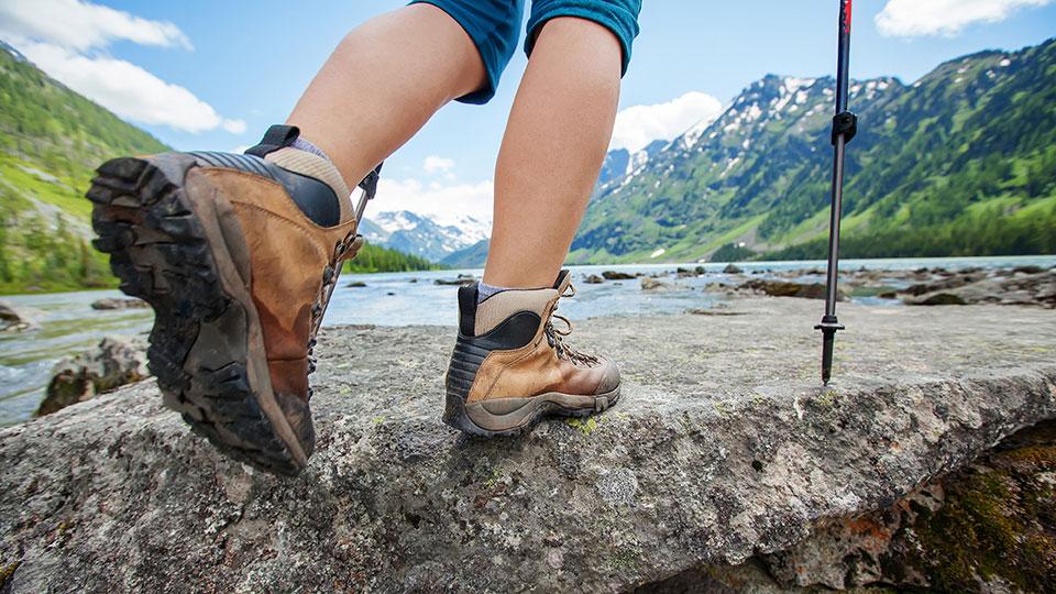 Hiking-boots-hik